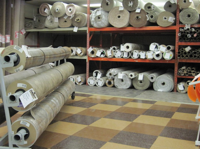 We sell carpet roll ends at A Gallery of Floors. We also have professional installers to install all carpet, hardwood, and linoleum flooring for you.